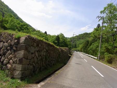 一里松キャンプ場のある道