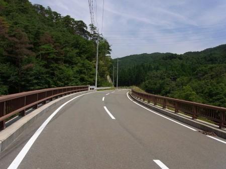 173から一里松方面への道