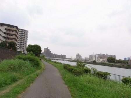 神崎川を走行
