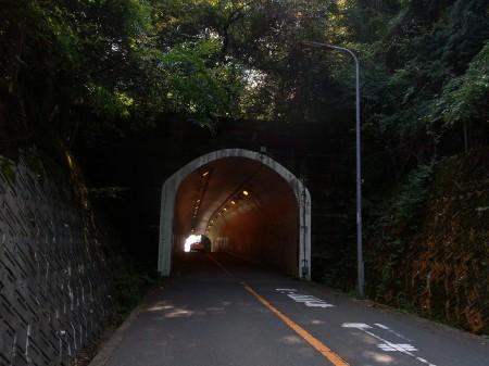 トンネルが峠の頂上