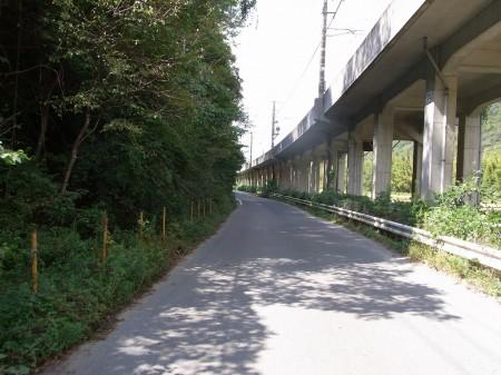 JR福知山線と並走