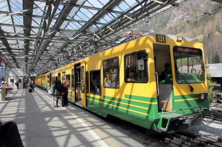 クライネシャイデック行き登山電車