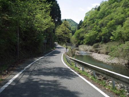 羽束川沿いR37は絶景