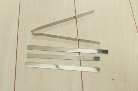 アダプタを固定するアルミバー