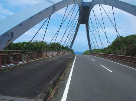 犬田布手前の橋