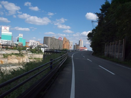 武庫川沿いをくだる