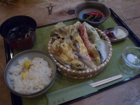 絶品!天ぷらキノコ定食