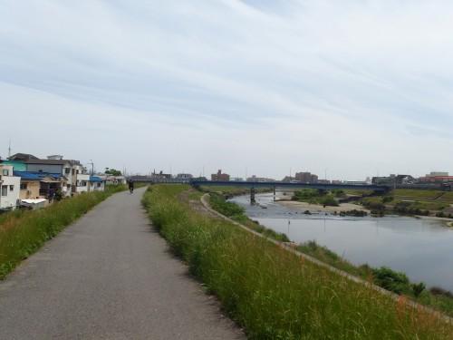川沿いを帰る