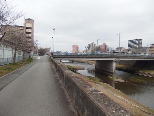 武庫川沿いへ