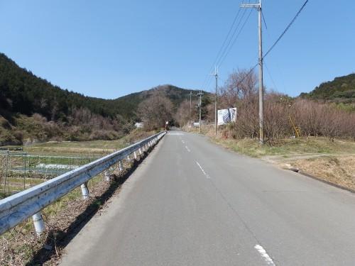 猪子峠へ向かう