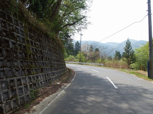 平子峠を越える