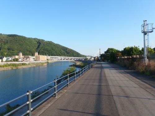 猪名川河川沿い