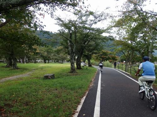 嵐山のサイクリングロードが舗装されている!