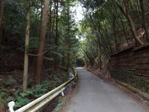 保津峡への道