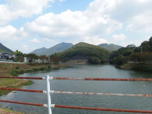 大川瀬ダムの端っこ