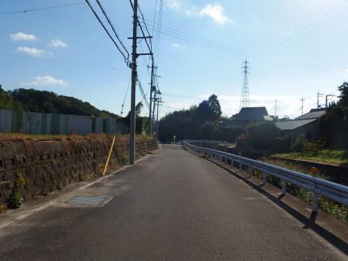 山田川沿いへ