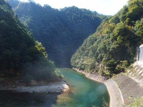 青蓮寺湖へ