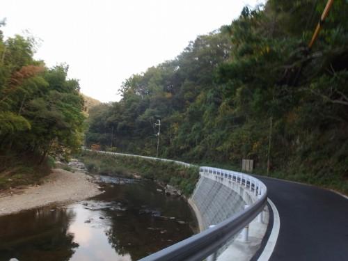 川沿いの気持ちの良い道