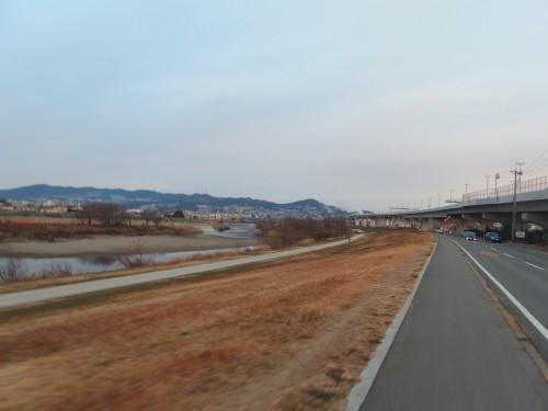 河原を走る