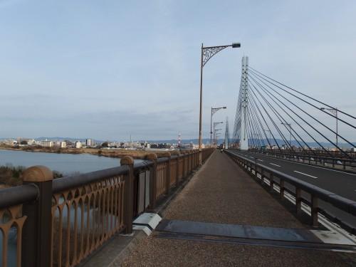 淀川を越える