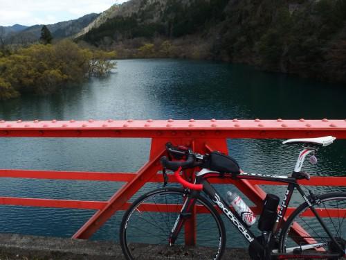 公園の橋にて